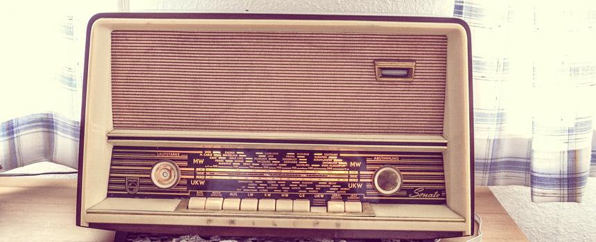 tube-radio-338511_1280